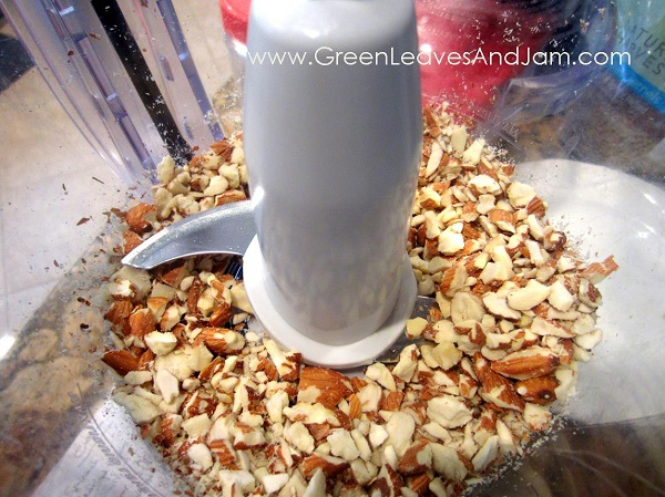 Nutty for Granola Bars. GreenLeavesAndJam.com