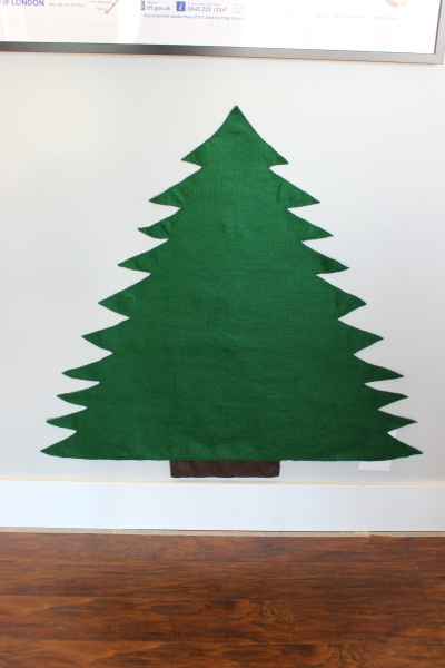 Children's Felt Christmas Tree. GreenLeavesAndJam.com